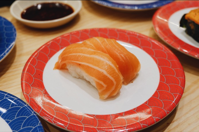 Salmon Sushi Tom Sushi